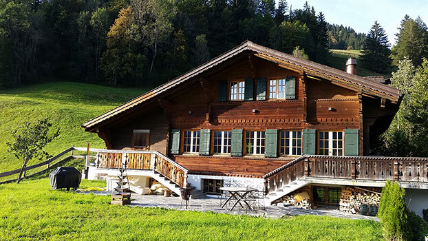 LUXURIOUS CHALET WITH HOT TUB
