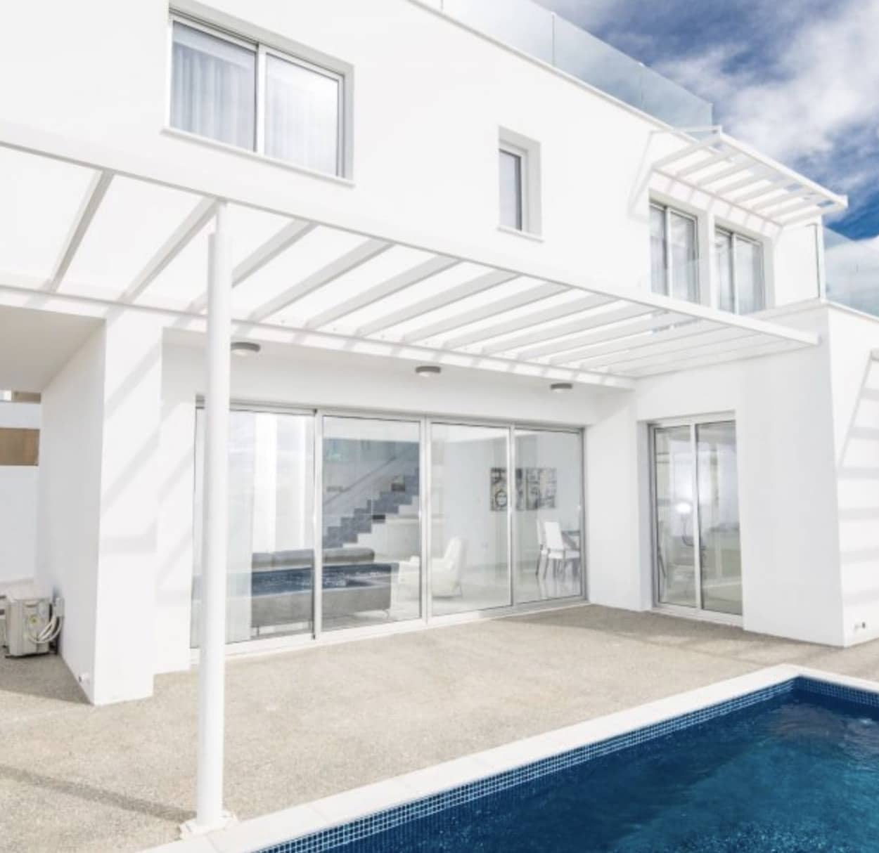 1 Story Villa in White