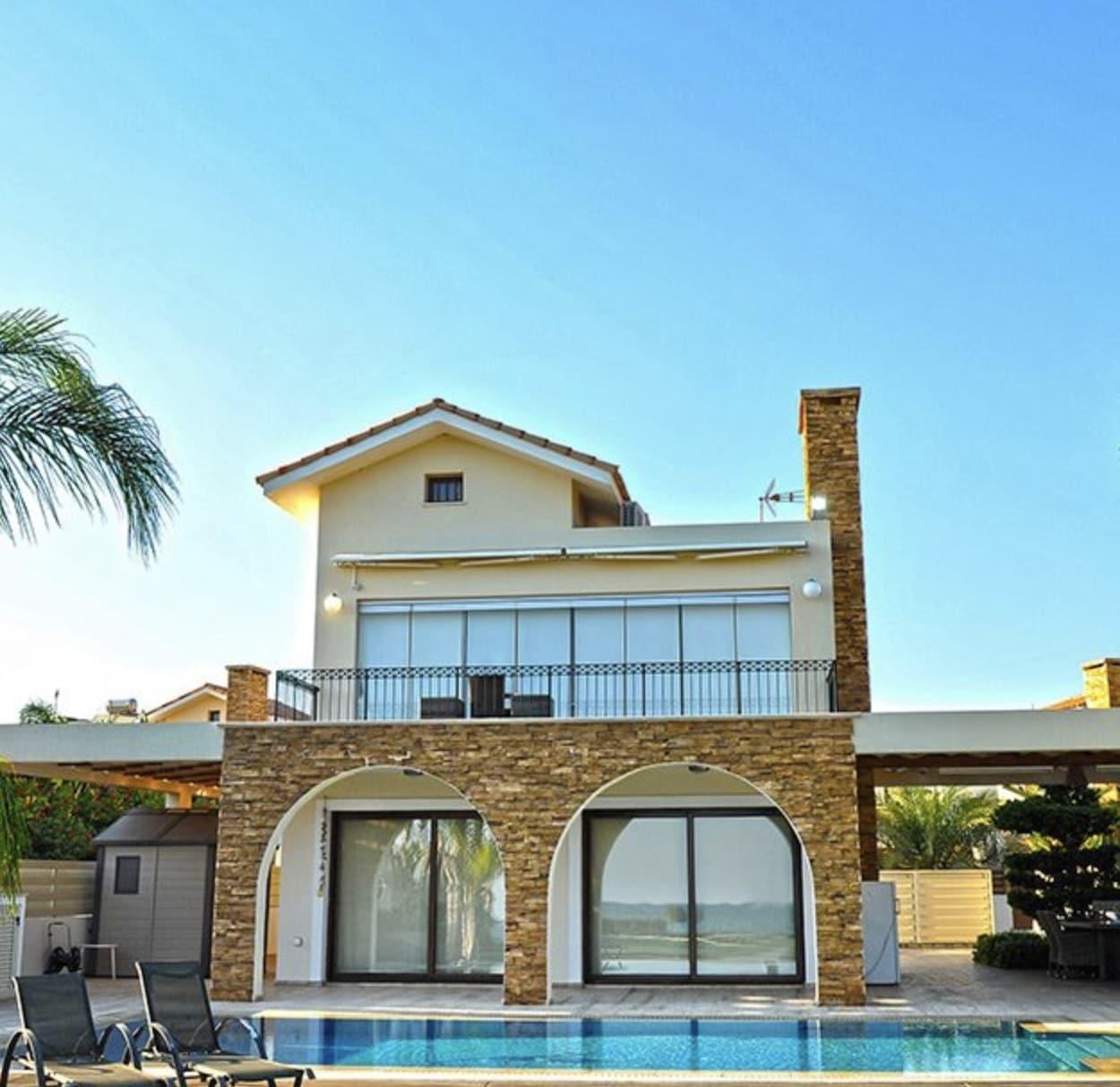 1 Story Luxurious Villa