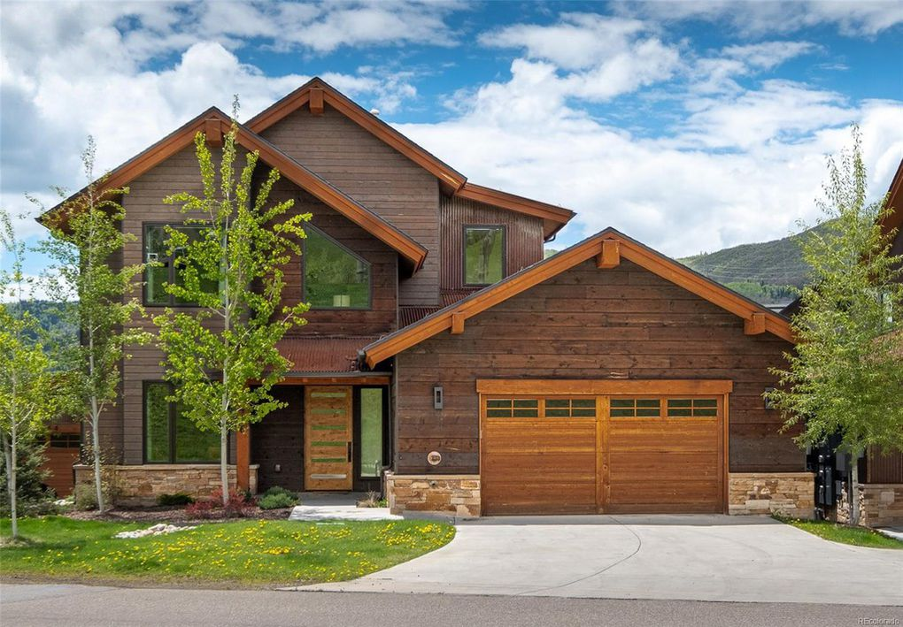 DULEXE LODGE WITH ACCESS TO SKI SLOPES - COLORADO
