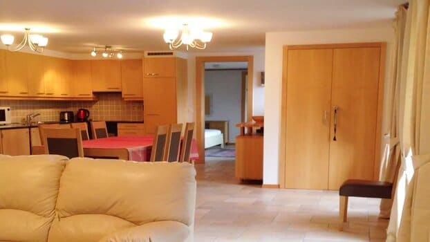 GREAT VIEW TOP FLOOR FLAT WITH POOL AND GYM - GSTAAD