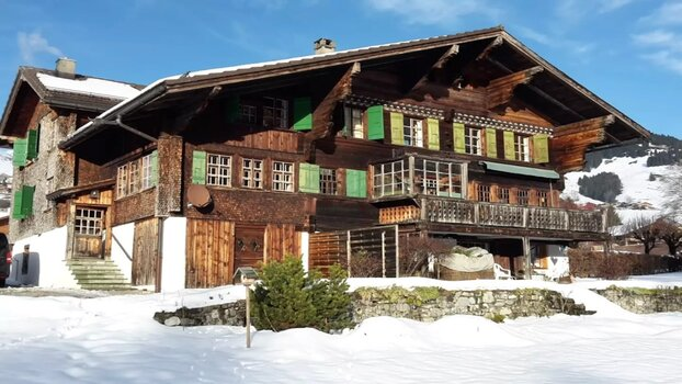 Old chalet walking distance from Chateau d' Oex